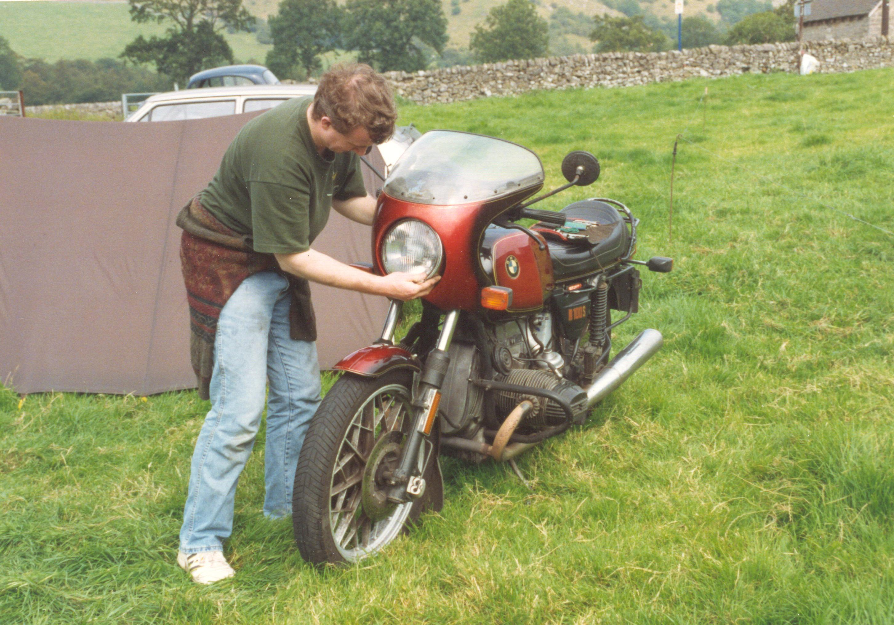 Alan R bike.jpg (708263 bytes)